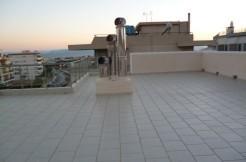 4-х комнатная квартира в Глифаде у моря