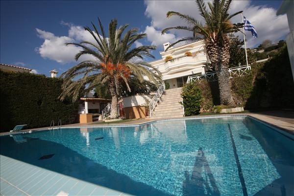 Villa 50 meters from the sea in the suburbs of Athens - Agia Marina