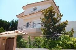 Σπίτι στην Αθήνα δίπλα στη θάλασσα (Βάρκιζα)