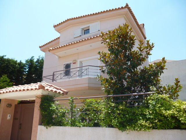 House in Athens by the sea (Varkiza)