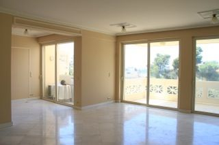 apartment by the sea in Vouliagmeni21