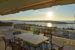 Rent - apartment in Athens by the sea (Vouliagmeni)