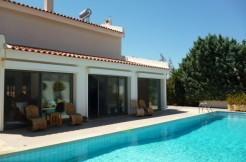 Villa in Anavissos