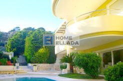villa in the fashionable area of ​​Vouliagmeni