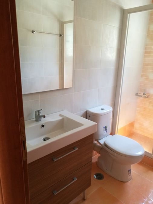 Property in Varkiz13