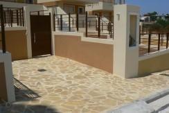 Σπίτι στα προάστια της Αθήνας, Σαρωνίδα, αγορά
