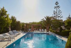 Купить гостиницу в Греции