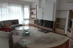 Επιπλωμένο διαμέρισμα στην Αθήνα στον τελευταίο όροφο