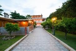 Luxury villa in Vari