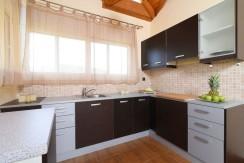 Luxury villa in Vari12