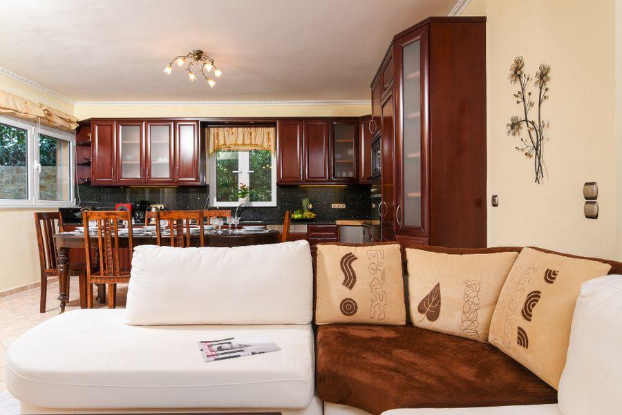 Luxury villa in Vari14