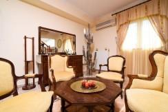 Luxury villa in Vari20