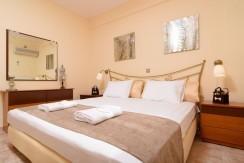 Luxury villa in Vari23