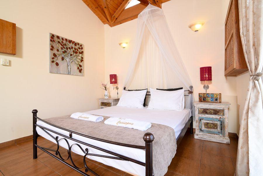 Luxury villa in Vari6