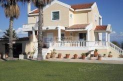 дом на берегу моря Греции Лаккопетра