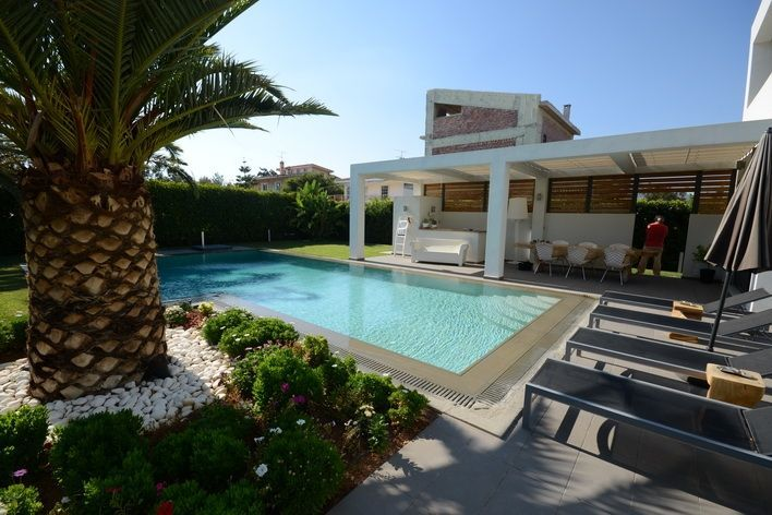 villa in Greece to buy Varkiz Miladeza1
