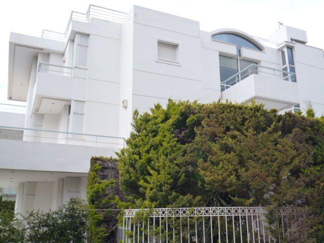 Building in Athens - Vouliagmeni - 850 sq.m