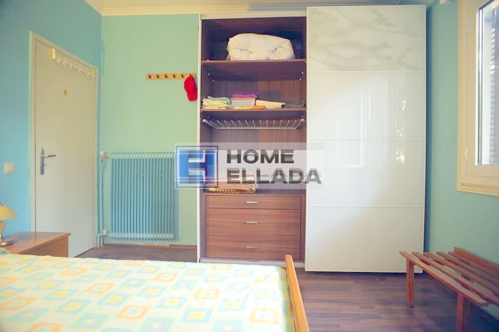 Rent in Greece, apartment by the sea