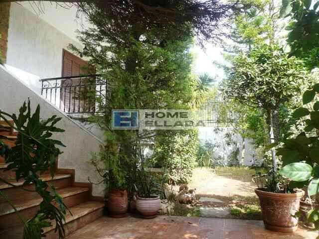 Sale - house on the Athenian Riviera - Voula 370 m²