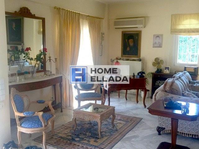 Аренда недвижимости в Греции с бассейном у моря