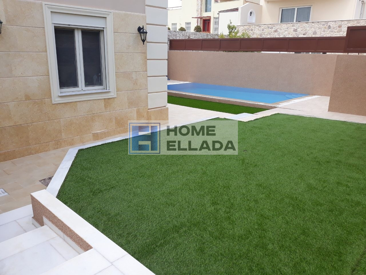 Сезонная аренда дома в Афинах с бассейном