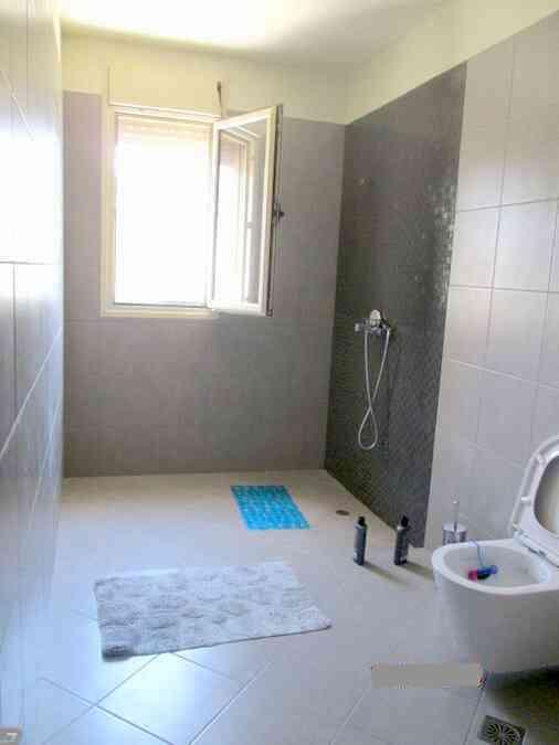 Πώληση - 380 τ.μ. σπίτι δίπλα στη θάλασσα Αθήνα - Βάρκιζα