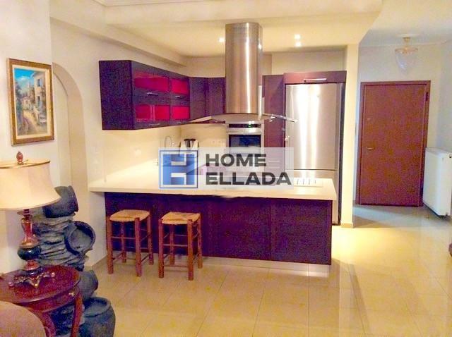 Продаётся квартира в Греции на последнем этаже Афины-Вари