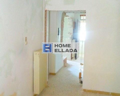 Продаётся квартира в центре Афины-Имитос
