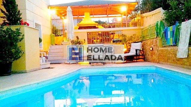 Σπίτι προς πώληση δίπλα στη θάλασσα Πόρτο Ράφτη-Αττική (Αθήνα) με πισίνα