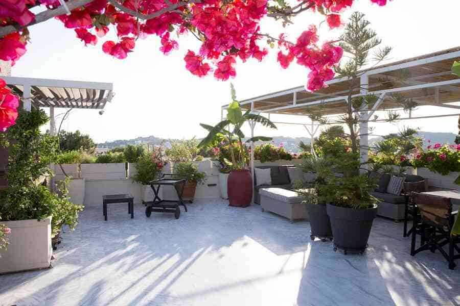 Rent - Vouliagmeni Athens 170 m² luxury property by the sea