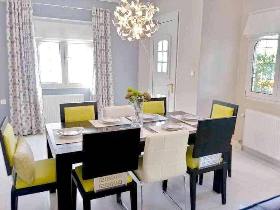Πώληση - Σπίτι στην Αθήνα - Άνω Γλυφάδα