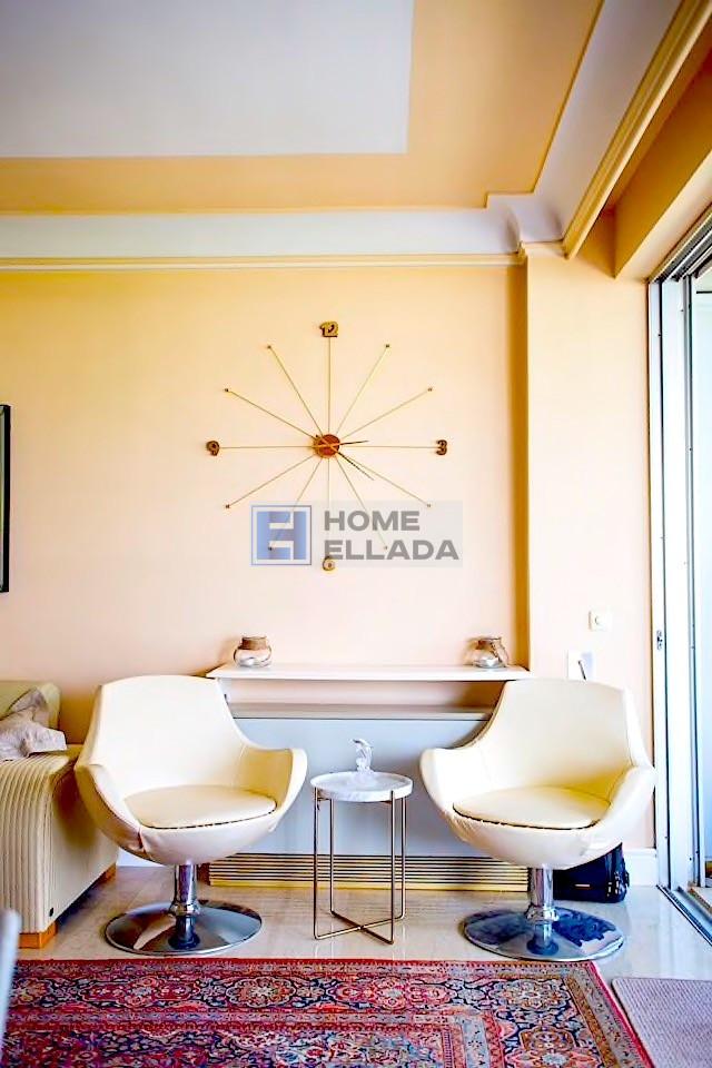 Ενοικίαση για διακοπές σε Αθήνα διαμέρισμα κοντά στη θάλασσα της Βάρκιζας 90 m²