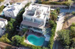 Πώληση - σπίτι δίπλα στη θάλασσα Λαγονήσι - Αττική 300 τ.μ