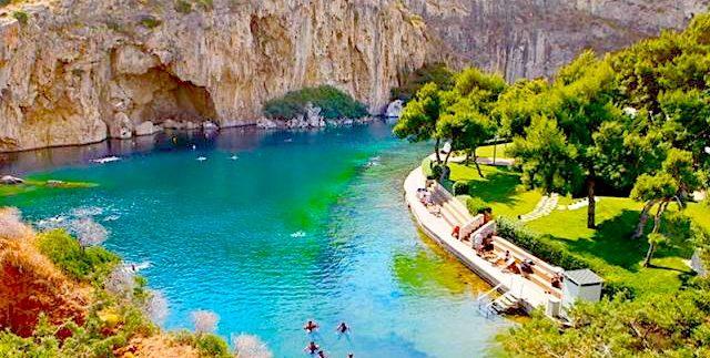 Озеро Вульягмени и самый дорогой район Афин