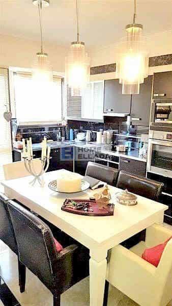 Sale - Apartment by the sea Voula Kato - Athens 90 m²