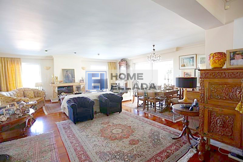 Продажа недвижимости 210 м² в центре Глифады — Афины
